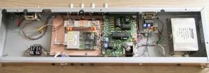 Foto 2 Door de auteur gebouwde GPS-gestuurde 10 MHz-standaard van VE2ZAZ met PIC 18F2220
